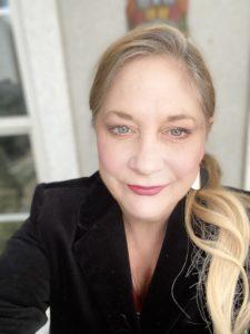 Kim Renee Dunbar smile selfie